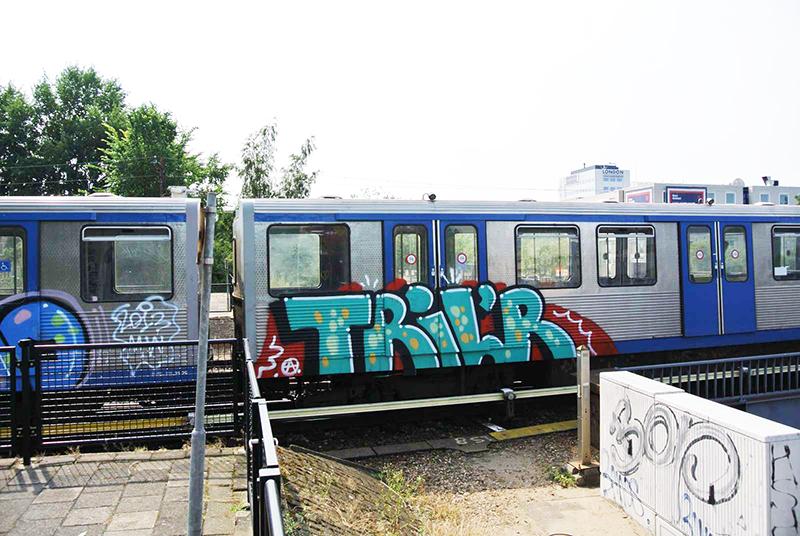 backjump brake amsterdam subway graffiti trilr