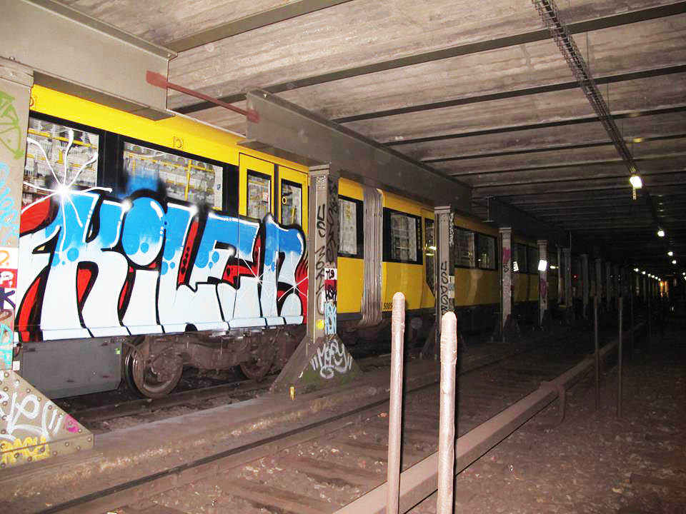kiler subway graffiti topshit berlin tunnel