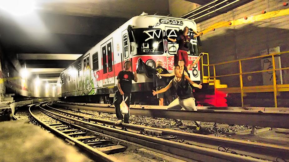 graffiti subway sen otp's milan tunnel redline crewpose