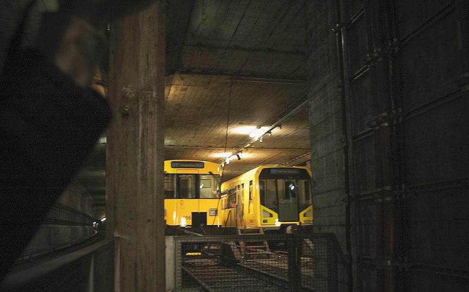 berlin tunnel graffiti subway
