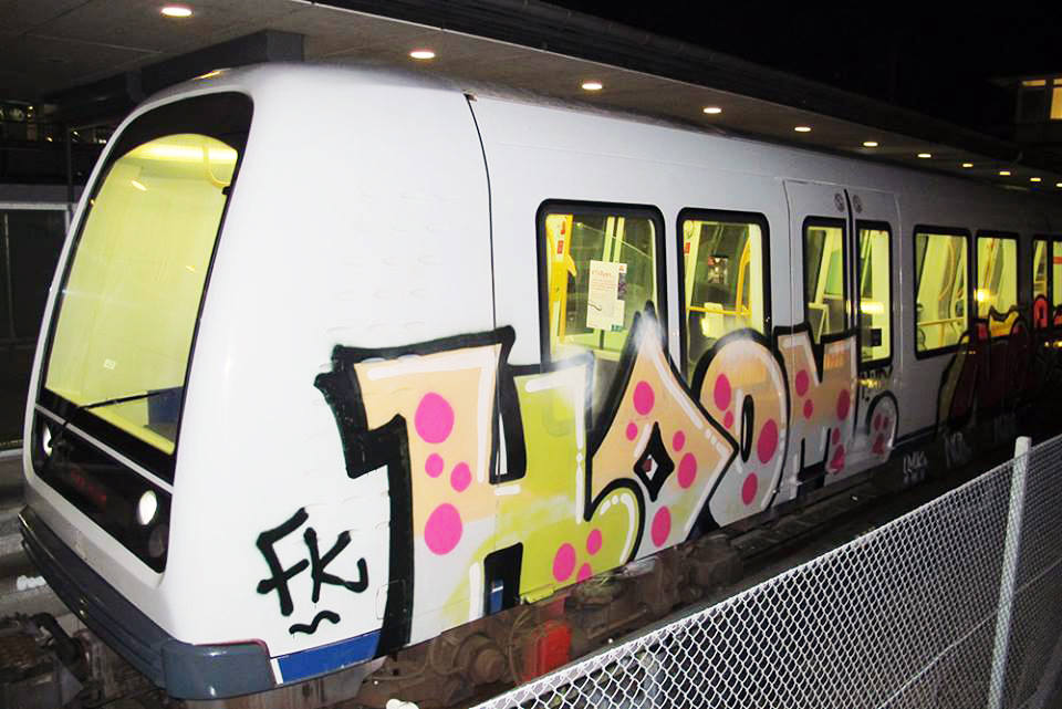 hoom graffiti subway running intraffic copenaghen fk