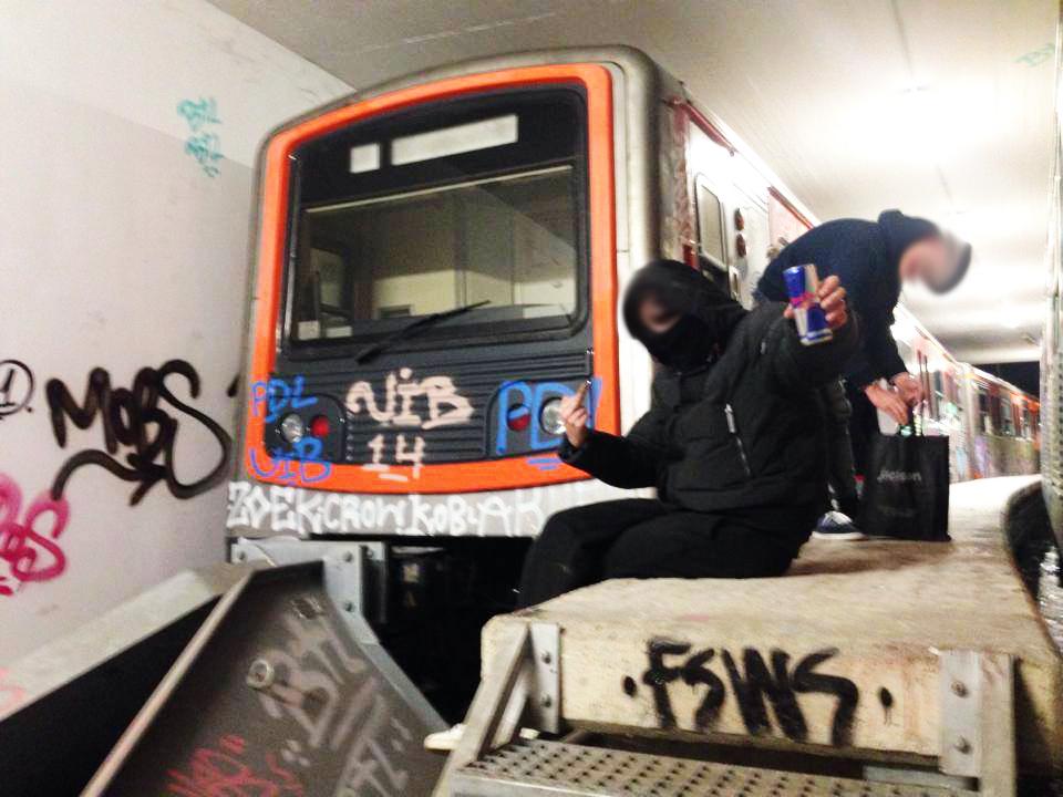 athens tunnel graffiti subway