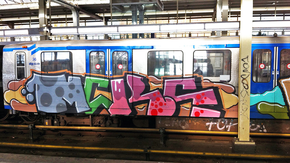 mcks graffiti subway running intraffic amsterdam