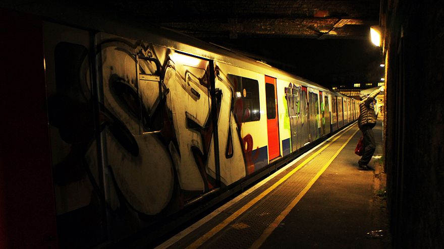 graffiti london tube sfl subway underground platform station