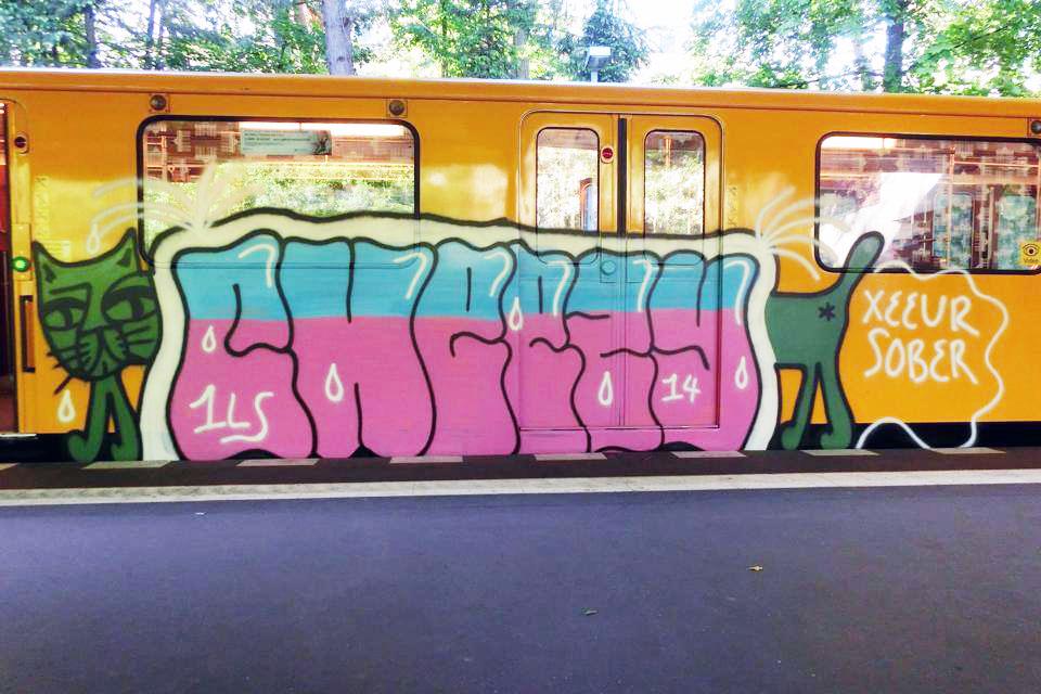 graffiti subway berlin germany cheezy
