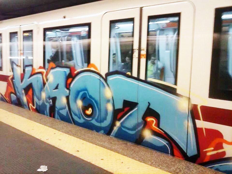 graffiti subway rome italy running kaot
