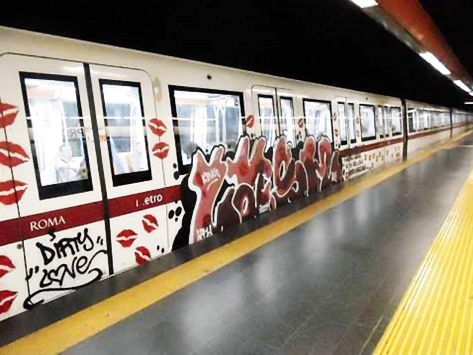 graffiti rome subway italy running lash