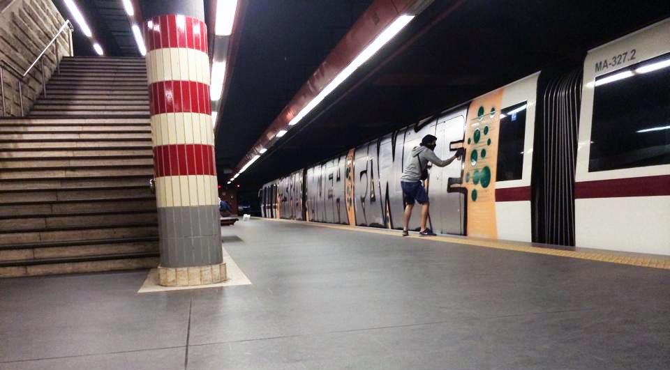 graffiti subway rome action tunnel italy