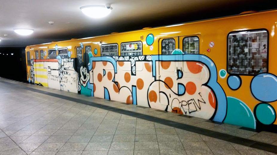 graffiti subway berlin germany les rhb running
