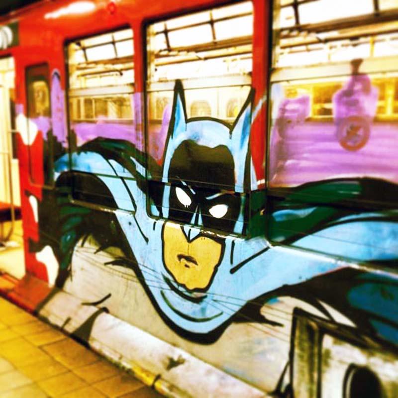 graffiti subway buenosaires batman running argentina