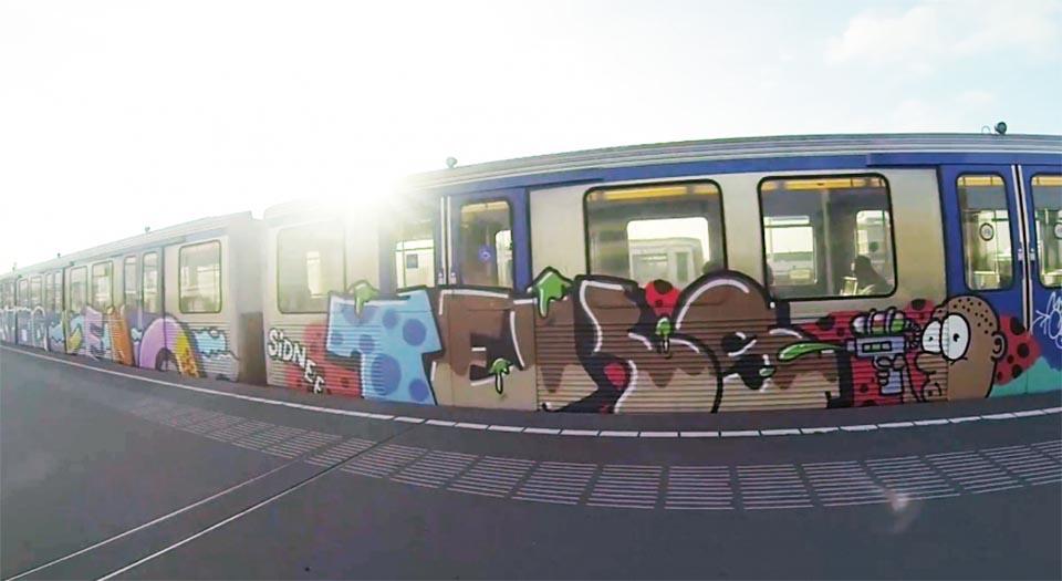 graffiti subway amsterdam holland running sunlight teks