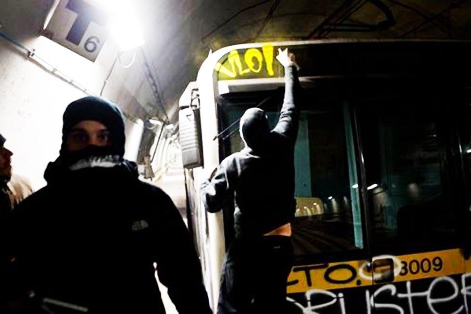 graffiti subway milan italy tunnel yellowline vlok
