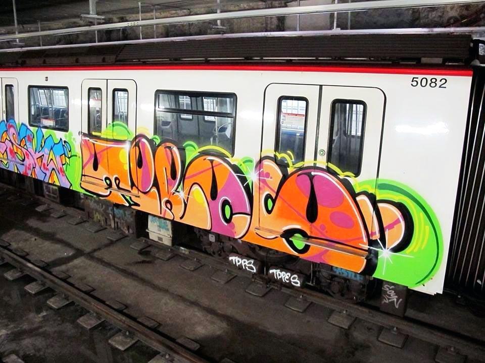 graffiti subway barcelona spain tiros