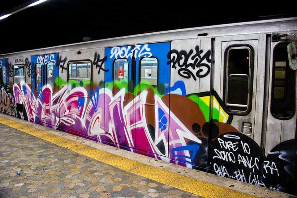 graffiti subway italy rome poison bline running