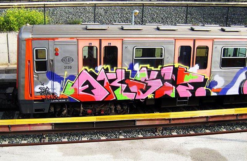 graffiti subway greece athens running eksit