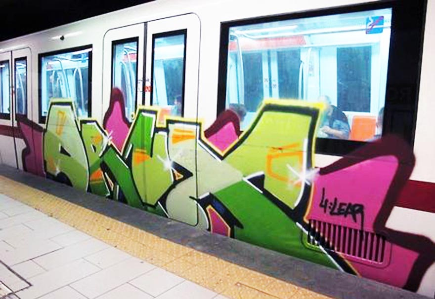 graffiti subway train rome italy drux