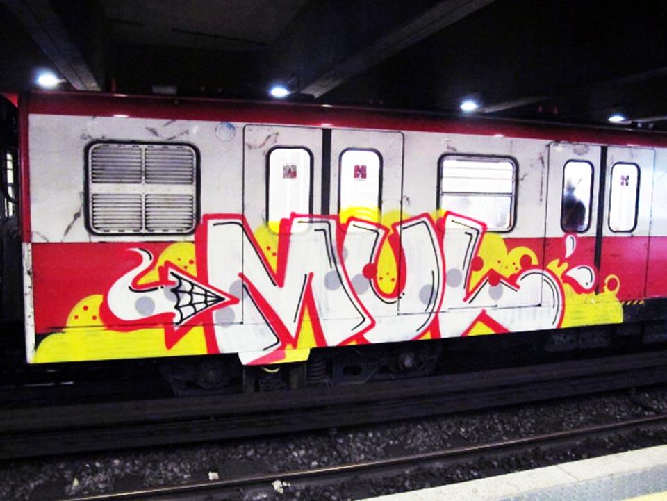 graffiti subway train milan italy running mul crew