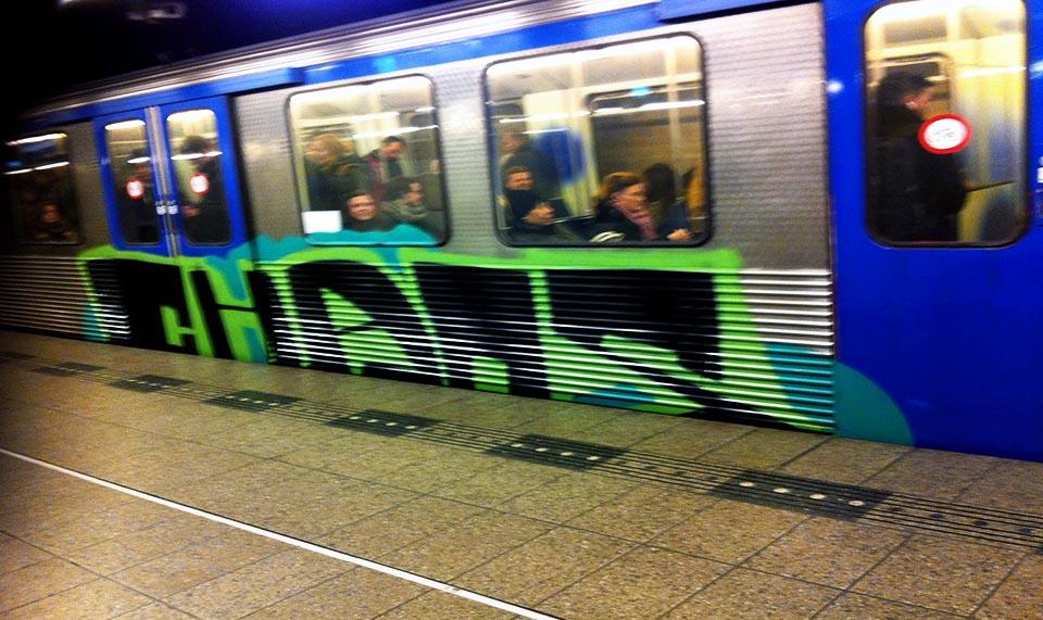 graffiti subway train amsterdam running backjump chaos