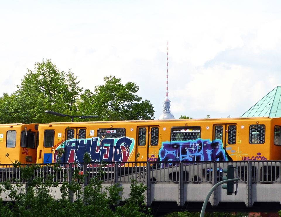 graffiti subway train pules berlin germany