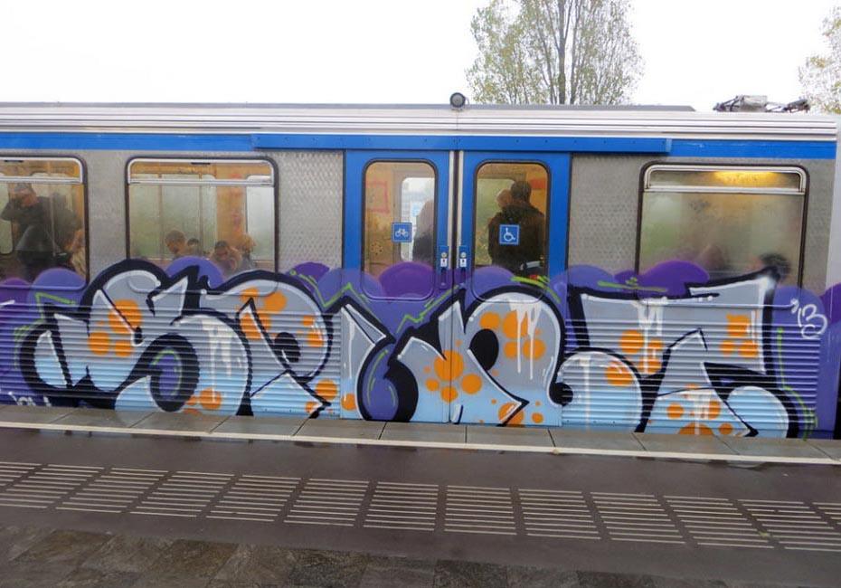 graffiti train subway amsterdam holland spunt running