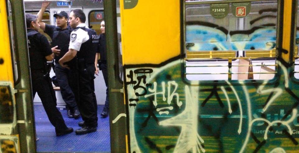 graffiti train subway argentina buenos aires 2015