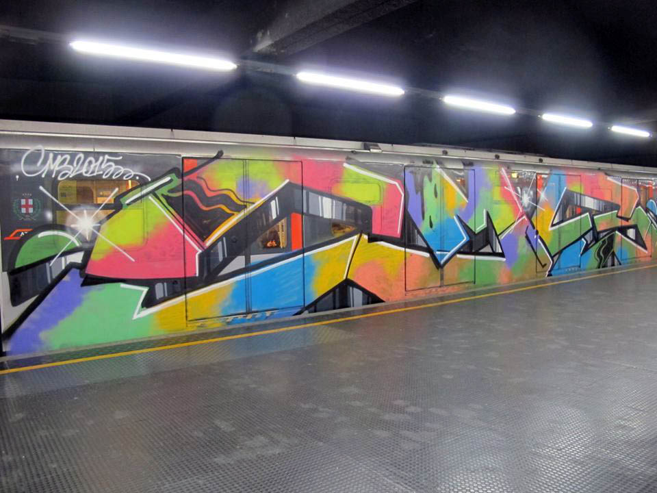 graffiti subway train cms milan italy redline wholecar running 2015