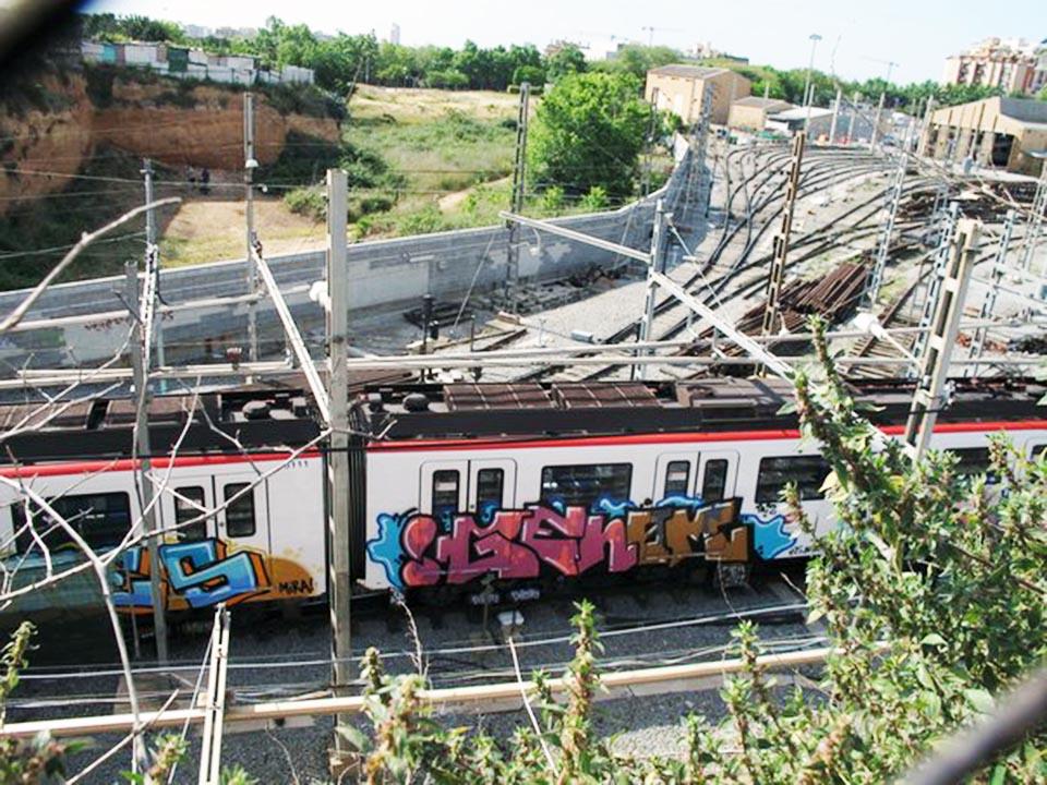 graffiti train subway barcelona spain genom