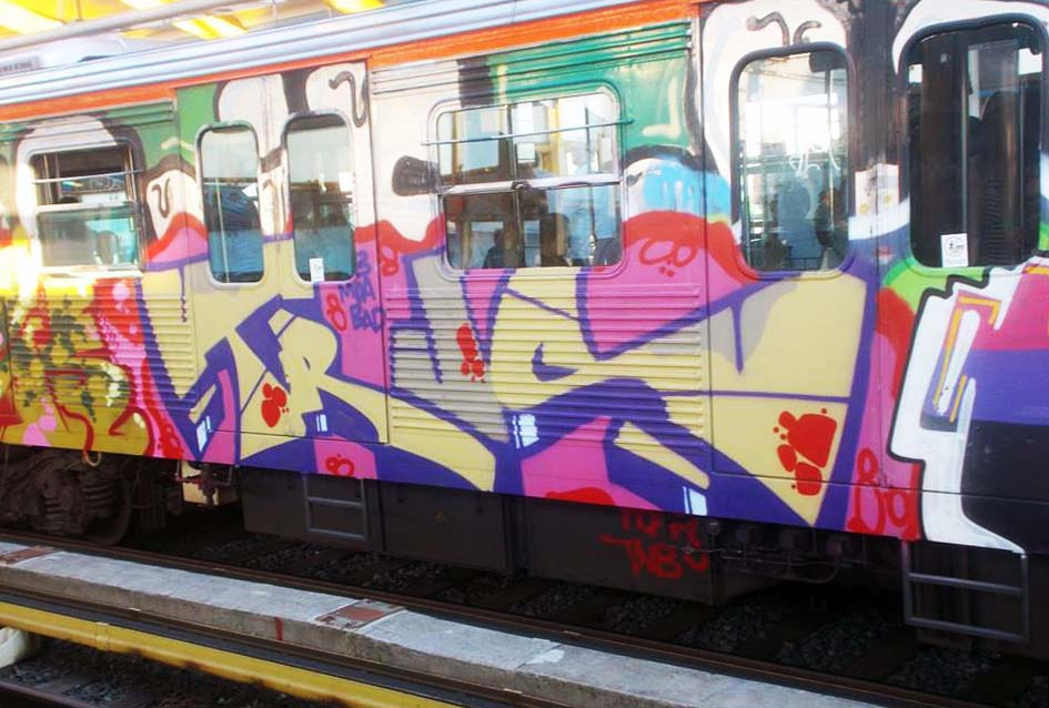 graffiti train subway athens greece 2015