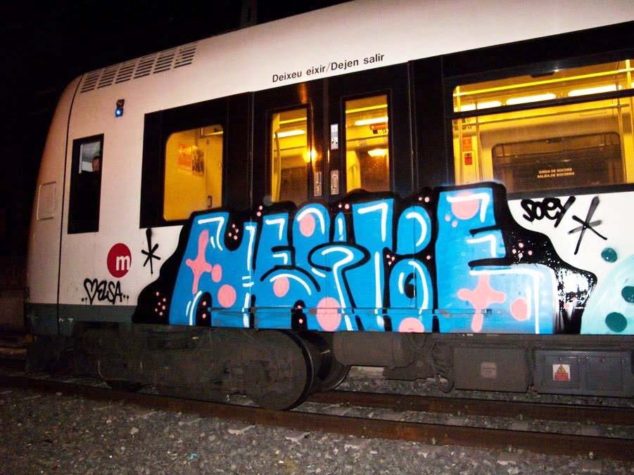 graffiti train subway valencia spain negroe