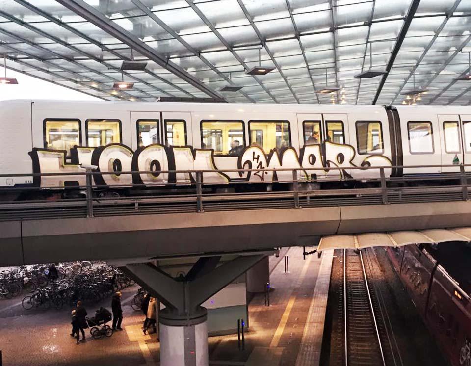 subway graffiti train copenhagen denmark intraffic