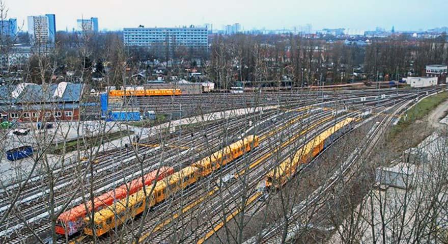 subway graffiti train berlin germany yardview