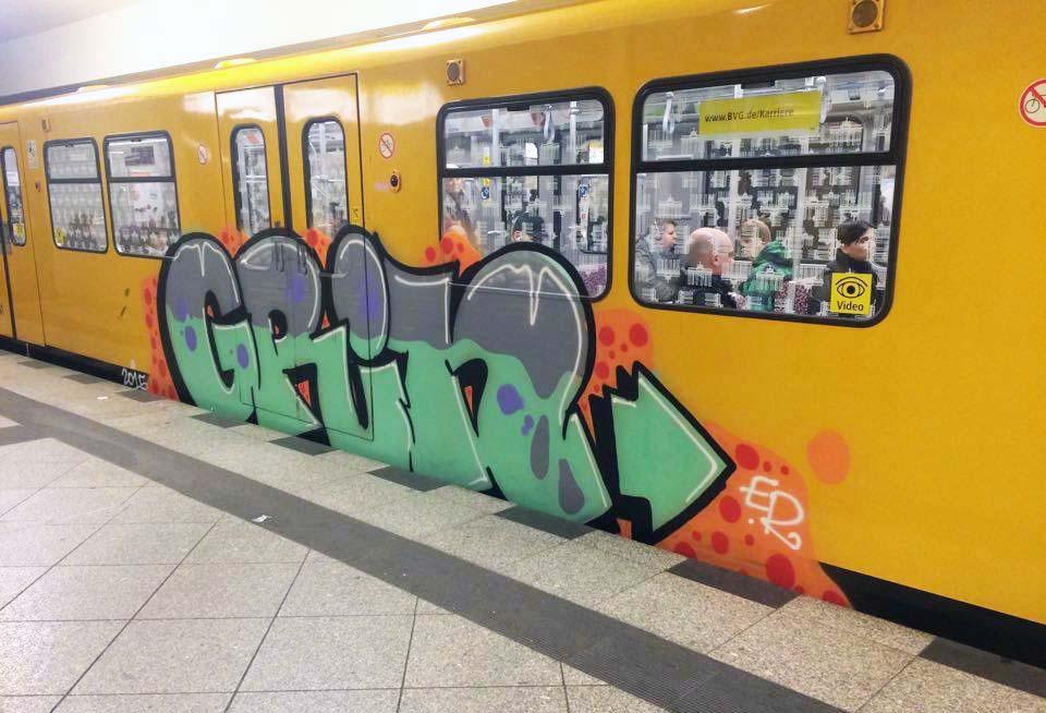 graffiti train subway berlin germany 2015