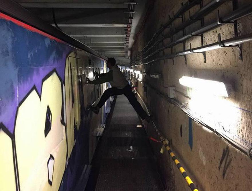 graffiti train subway barcelona spain wholecar dondimode 2016