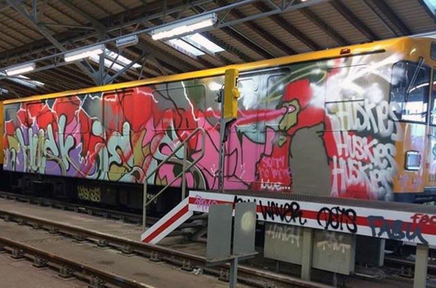 graffiti subway train berlin germany