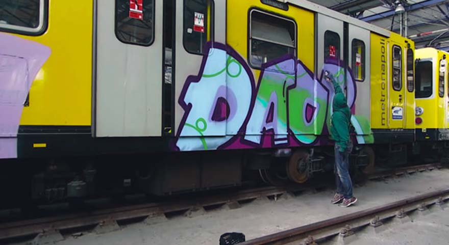 graffiti subway train naples italy daor