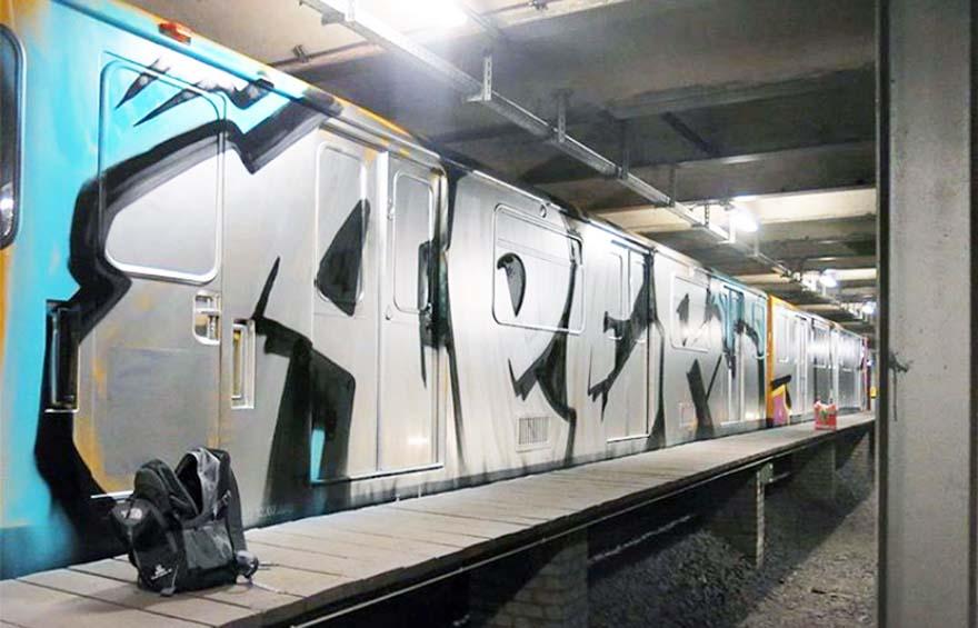 graffiti train subway berlin germany wholecar aper