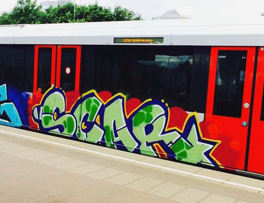 graffiti train subway amsterdam holland running scar