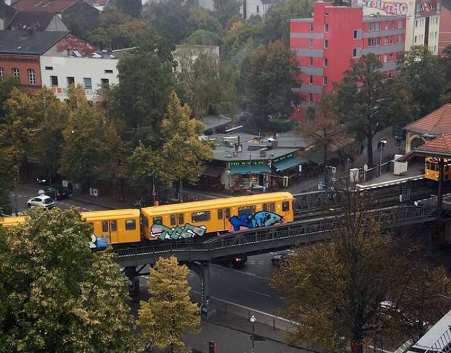 subway train graffiti berlin germany e2e running