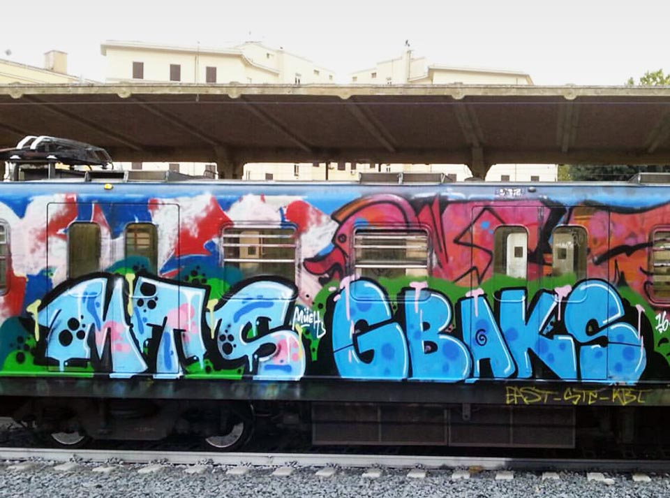 graffiti subway train rome italy running mts gbak 2016