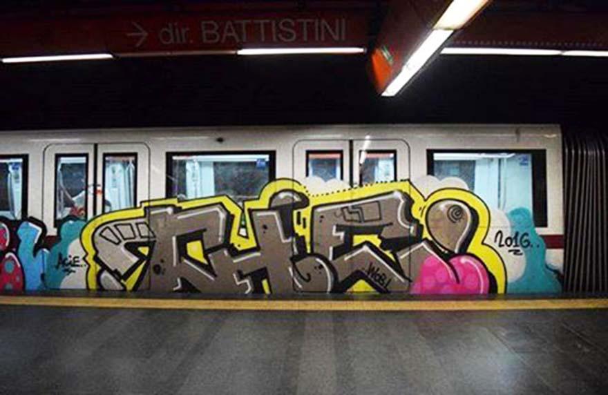 graffiti subway train rome italy the running 2016