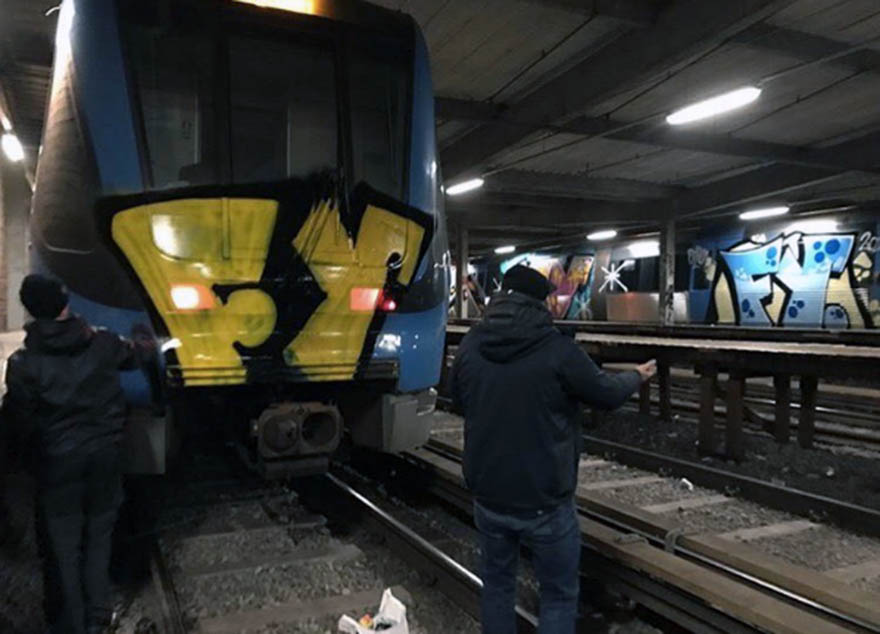 graffiti subway train stockholm sweden fy crew action