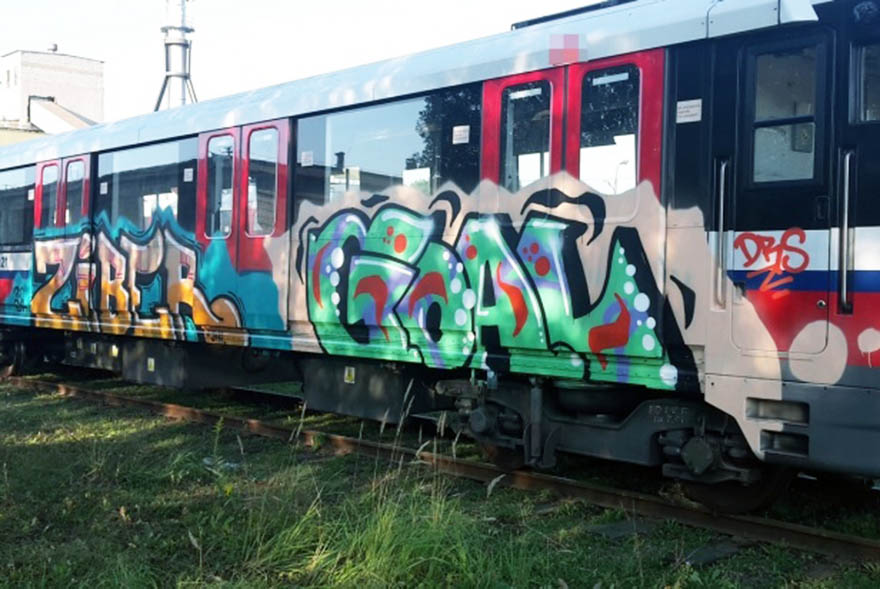 graffiti train subway warsaw poland ziber goal