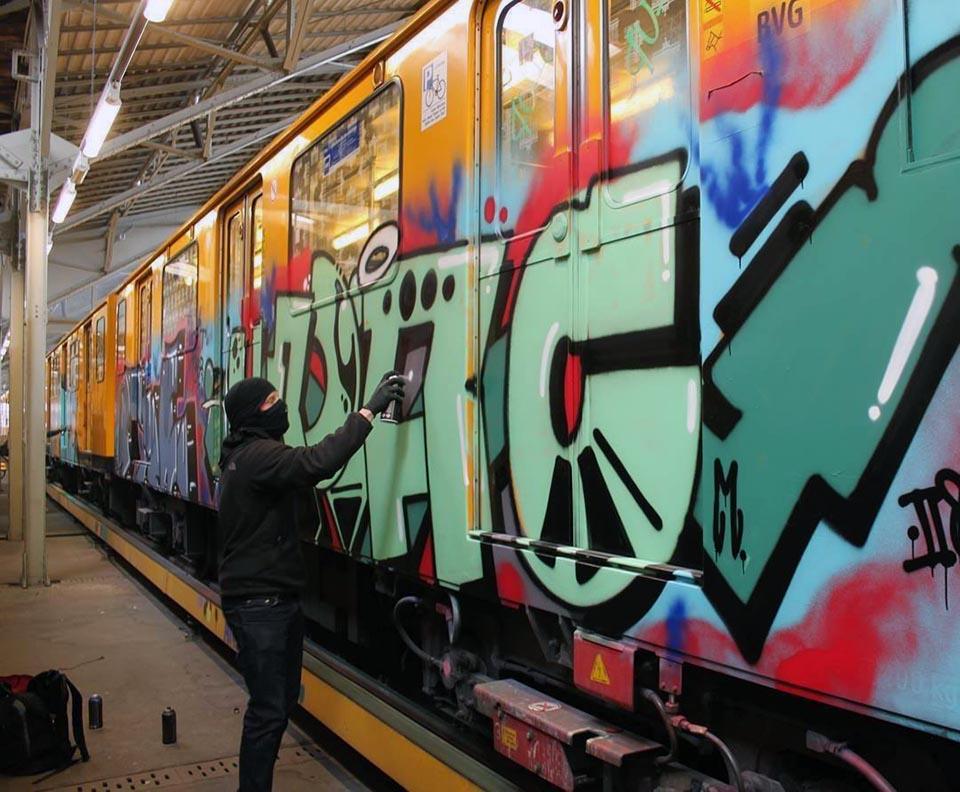 graffiti train subway berlin germany upac action
