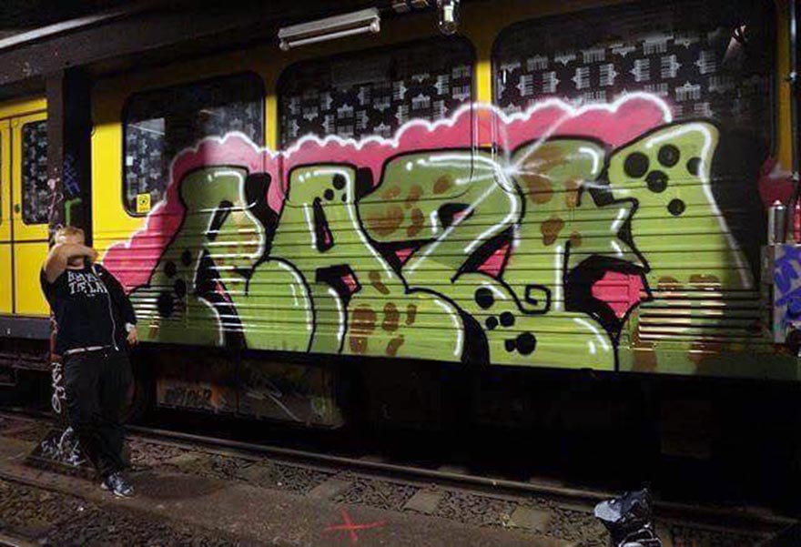 graffiti train writing subway berlin germany razh
