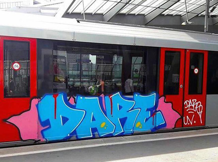 graffiti train writing subway amsterdam holland dare rip uv tpk 2017 running