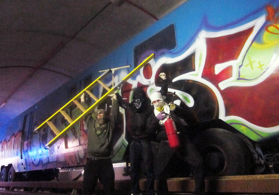 graffiti train subway writing metro montreal canada hise tunnel action