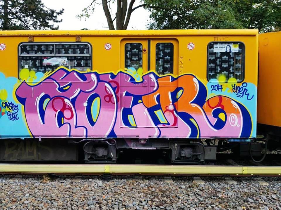graffiti train subway writingberlin germany zoer 2017 running