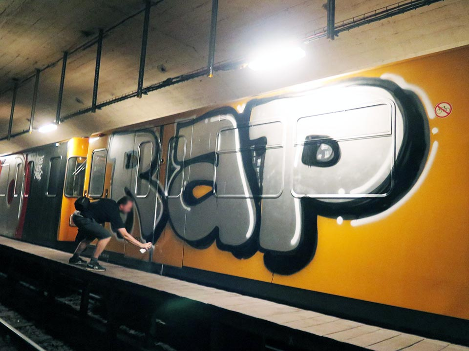 graffiti train subway writing berlin germany rap tpk uv action