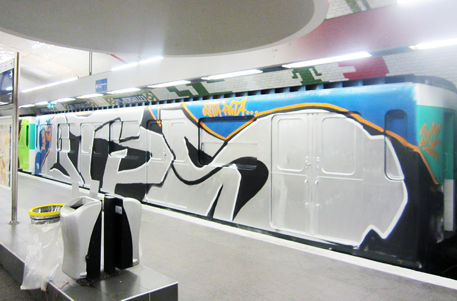 paris subway graffiti otps orus