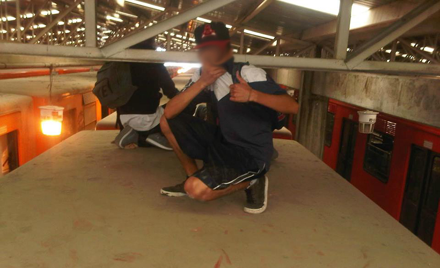 graffiti subway mexicocity uptrain action elcuino